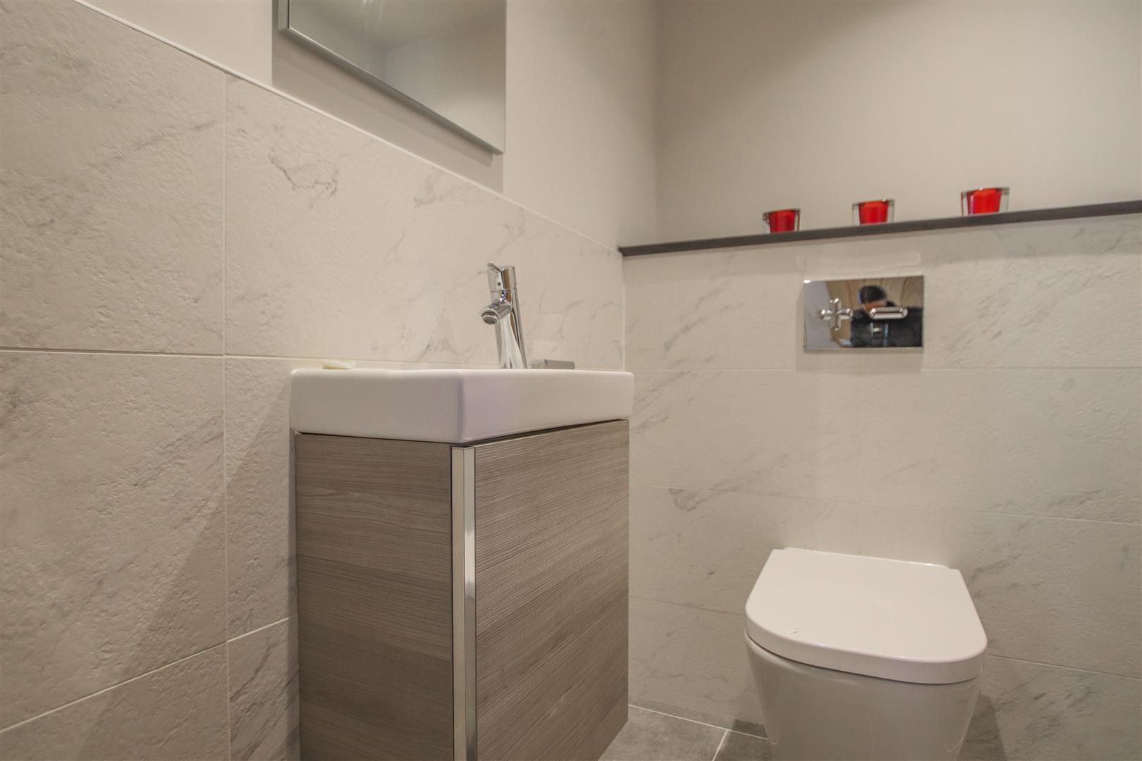 6 Bedroom Barn Conversion For Sale - 52.JPG